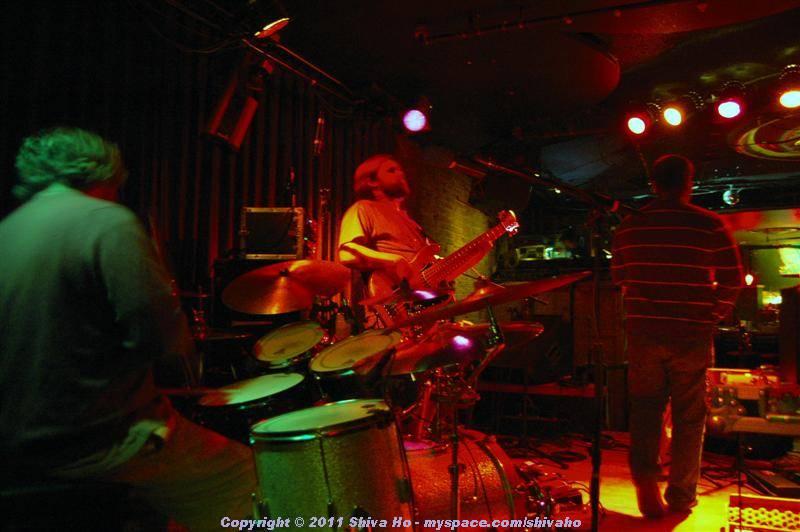 fndb2011-11-30n-038Medium.JPG