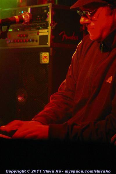 fndb2011-11-30n-232Medium.JPG